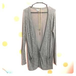 American Eagle grey cardigan *necklace included*